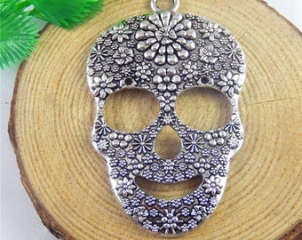 Pendant Gothic silver 66 * 41 * 5 mm