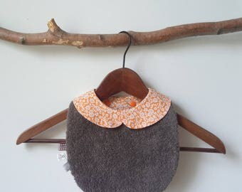 Peter Pan collar baby bib