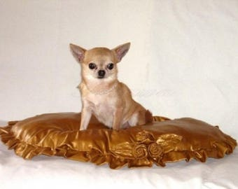 Glam d'or Cushion for small dog or cat - luxury model - Inlaid with Roses and hand embroidered