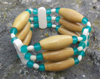 Bracelet wood, bone and turquoise glass