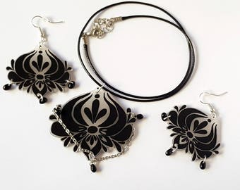 Baroque pendant with shrink plastic and Czech glass beads and earrings set