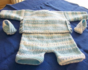 CUSTOM baby set hand knitted Blue Heather white with cropped jacket and matching booties