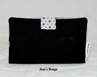 Black and graphic wallets Japanese star