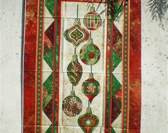 Pretty table runner or wall Christmas