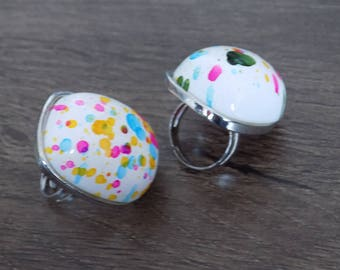 Multicolor domed ring