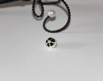 "The round bead with black enamel flower silver jewelry ""Pandora"" type"