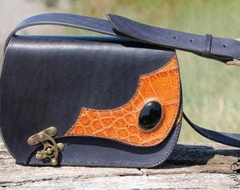 Onyx - vegetable tanned leather bag