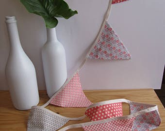 Multicolored Bunting in shades of pink