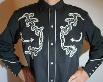 California Ranchwear Vintage Western Cowboy Men's Long Tail Shirt, black with white embroiderey, Size Large (see meas.)