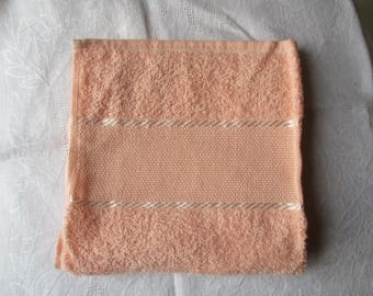 towel 40 x 60 cm toilet embroidery salmon