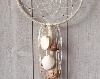 Dream catcher natural wood and shell
