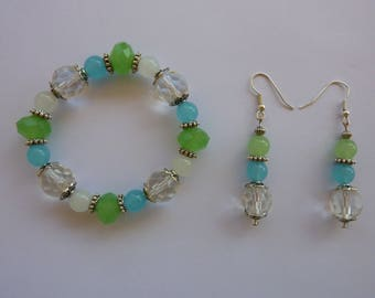 bracelet and earrings ' ear