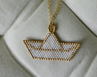 Gold chain necklace and pendant in gold and white Miyuki beads boat origami style