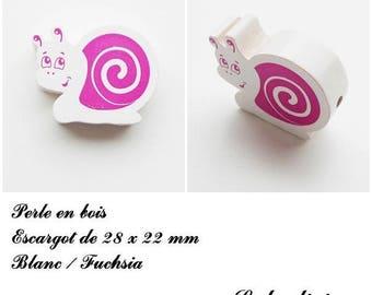 28 x 22 mm wood bead, Pearl flat snail: white / Fuchsia