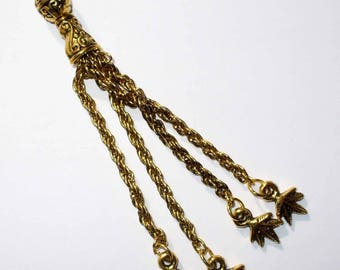 1 gold tassel and small pendants MB104 80 mm
