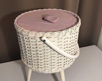 Vintage sewing basket sewing box 1970s
