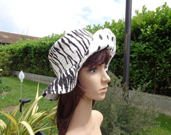 Cotton canvas, 2 in 1 reversible black and white summer Hat