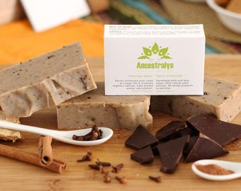 Spicy chocolate SOAP. Be transported by the impulses of cocoa American humectants powers and exfoliating.