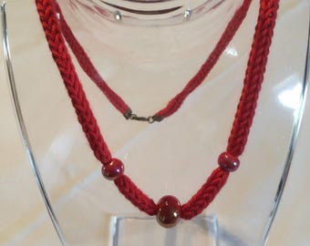Pearl fashion knit and red beads necklace