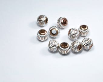 PE267 - Set of 10 silver and Brown synthetic beads