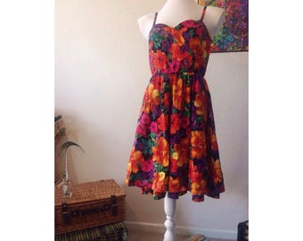 True Vintage 1980s Retro Floral Swing/Rockabilly Dress size 10-12