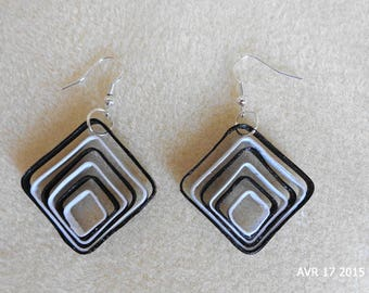 Square in black and white quilling earrings
