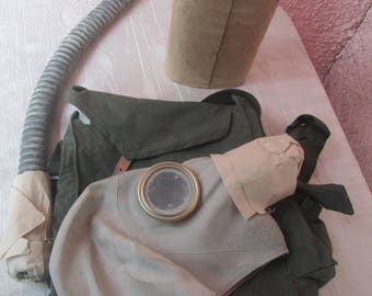 Respirator, Vintage respirator, Dust mask, Military respirator,Soviet Army gas mask,Gas mask in original green bag,Gas mask,Industrial decor