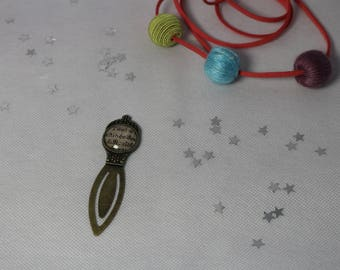 Bookmark paper clip in bronze with cabochon