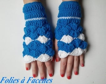 fingerless mittens blue turquoise and white crochet