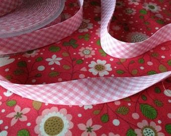 Pre-folded pink gingham bias