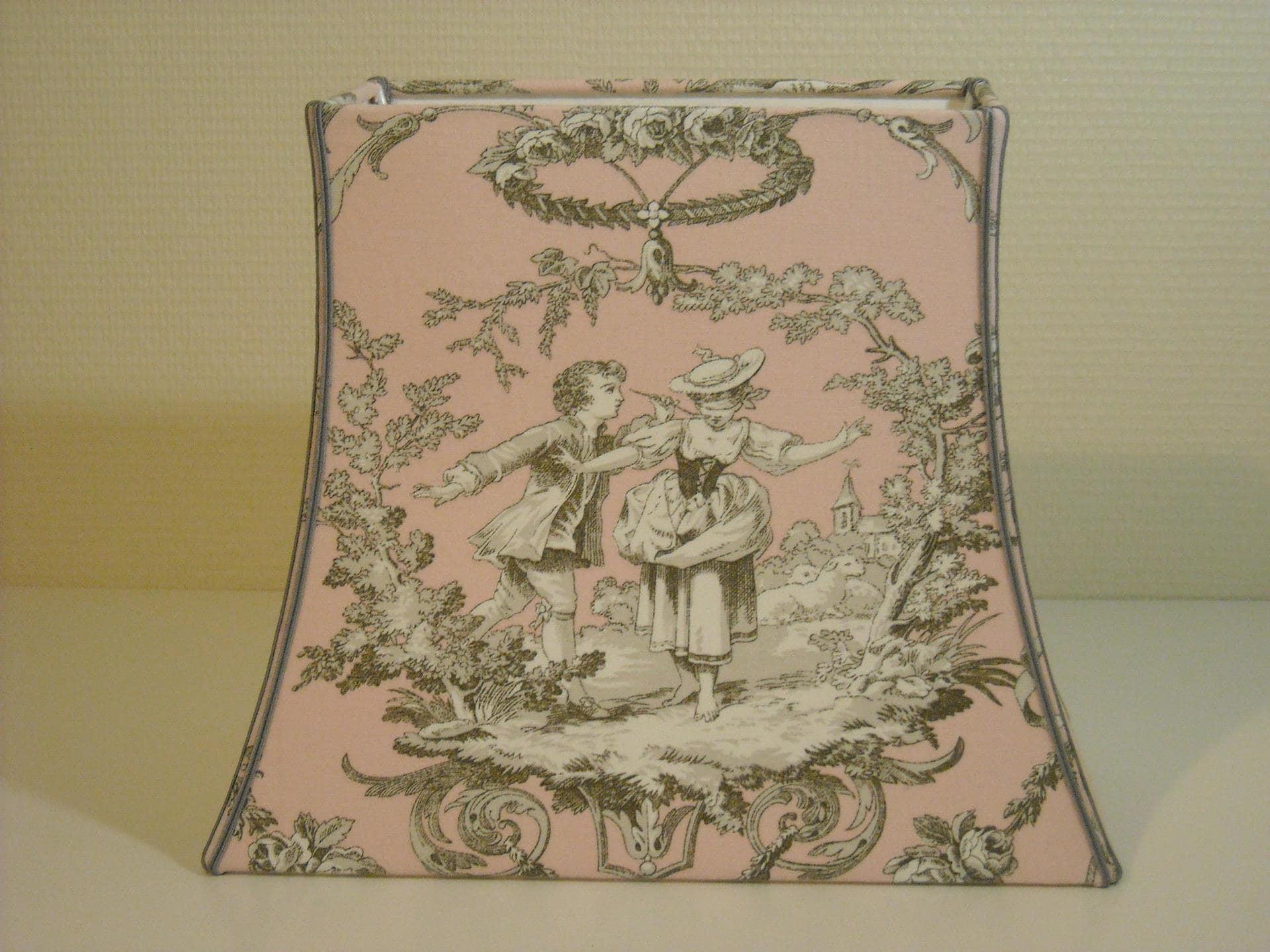 abat jour forme pagode rectangle en toile de jouy rose et gris. Black Bedroom Furniture Sets. Home Design Ideas