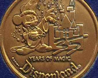 Disneyland 35 Years of Magic 1955-1990 Collectors Coin Happiest Place On Earth