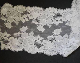 Lace width 18 cm
