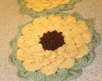 2 Xl Crochet Sunflower hot pads