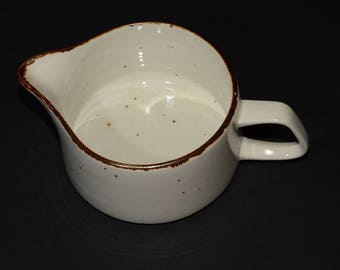 J & G Meakin, England, Lifestyle, gravy boat, off-white speckled in brown, vintage, pottery, c.1970s, farmhouse decor, cottage chic