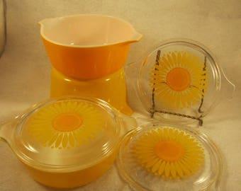 Groovy Retro Pyrex Yellow Orange Sunflower Casserole Yellow Daisy Pattern 6 pc set
