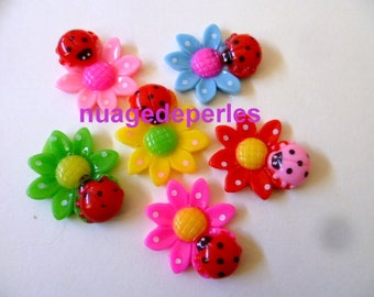 6 Ladybug on flower appliques cabochons