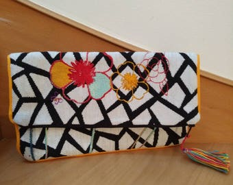printed cotton canvas embroidered black and white pouch