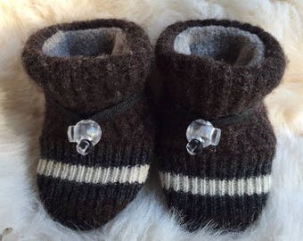 Chunky brown wool baby booties from Toggle Toes, non-slip soft sole shoe, in infant 4-12 months or baby shoe size 1-3.5