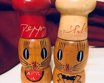 1950s vintage wooden Salt and Peppy salt and pepper shakers