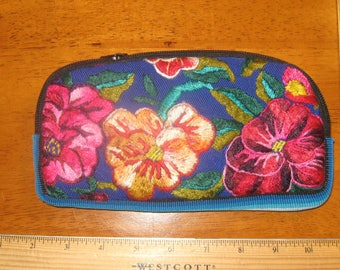 Embroidered pouch bag