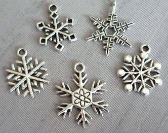 Set of 5 Christmas snowflake charms / silver metal star -