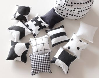 Counting toy, sensory toy, monochrome sensory bags,