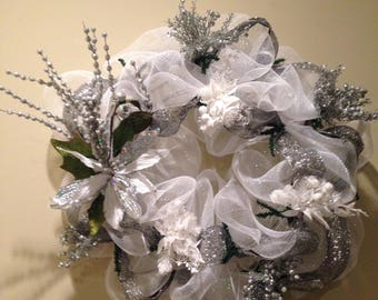 Christmas white and silver magnolia wreath