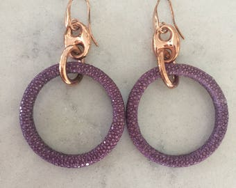 18k Rose Gold plated Round Purple Stingray Earrings