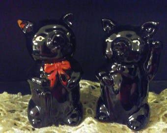 Vintage 1950s Adorable Black Bear Salt and Pepper Shakers.