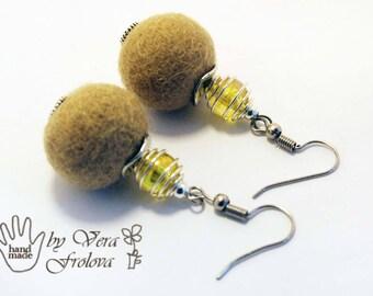Felted ball earrings