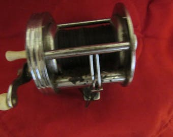 Vintage Bronson Fleetwing Reel