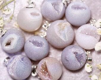 Druzy Agate Round Pendant Necklace - White, Silver, Grey Druzy - Crystal Stone Gem Necklace - Healing Jewellery - Minimalist Boho