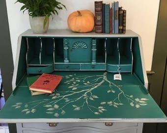 The Guv'nor Desk